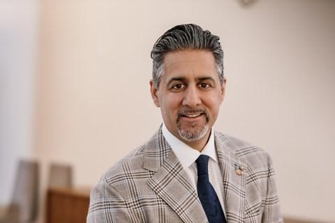 Abid  Raja  må  sikre  nynorsken  i  staten